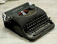 Working Vintage Typewriter Remington Rand Deluxe by anodyneandink, $185.00