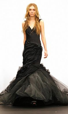 <3 this black wedding dress..except it would look so much better on me bc i have boobs lol