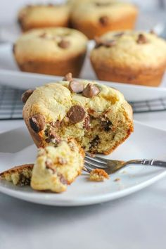One Of Our Favorite Things To Make Are Homemade Muffins! This Banana Chocolate Chip Muffins Recipe Is So Easy To Make! The Whole Family Will Enjoy This Tasty Banana Muffins Recipe! #bananas #bananarecipes #chocolatechips #chocolatechipmuffins #bananachocolatechipmuffins #muffins #bananamuffins #muffinrecipe Best Dessert Recipes, Fun Desserts, Snack Recipes, Snacks, Bread Recipes, Breakfast Recipes, Banana Chocolate Chip Muffins, Banana Bread, Healthy Donuts