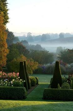 England Travel Inspiration - Pettifers Garden, Oxfordshire, England : The Parterre in Autumn with Yew Topiary