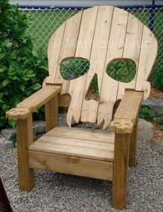 Another awesome skull chair for the back yard
