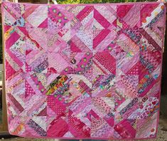 One way to get a quick project quilted is to find a fast, easy, not-so-boring quilting motif that can be changed and played with. I have the solution!