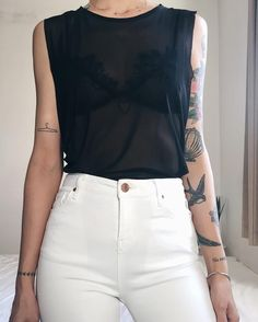 Pantalón blanco / white jean / high waisted / transparencia / outfit