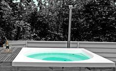 Suomessa suunniteltu ulkoallas tyylitietoiselle kylpijälle - Suomela Drops Design, Spa, Bathtub, Yard, Interior, Outdoor Decor, Home Decor, Standing Bath, Homemade Home Decor