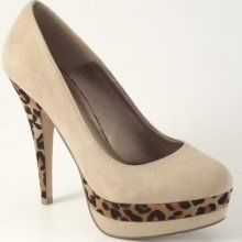 leopard print shoes... Need to sneak in a tiny bit of leopard somewhere ;D