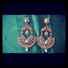 #indianjewels #earrings #diwali #jewerly #indian #instyle #trend #belsiscollection Jewelry Boards, Diwali, Indian Jewelry, Jewerly, Crochet Earrings, Brooch, How To Make, Beauty, Beautiful