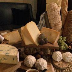 Scottish cheeses @printbarkitchen with @the_breadwinner_bakery bread