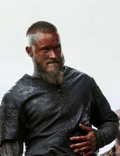 Travis Fimmel as Ragnar Lothbrok in Vikings Roi Ragnar, Ragnar Lothbrook, Ragnar Lothbrok Vikings, Vikings Tv Series, Vikings Tv Show, Viking Life, Viking Warrior, Travis Fimmel, Travis Vikings