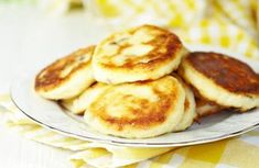 These are perfect for the kids as a mid morning or after school snack. Baby Food Recipes, Snack Recipes, Appetiser Recipes, Healthy Snacks, Healthy Recipes, Swedish Recipes, Pain, Food Inspiration, Pancakes