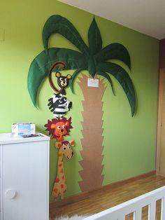 decoracion clase infantil con animales de la selva - Buscar con Google Jungle Theme Classroom, Jungle Theme Parties, Jungle Party, Classroom Themes, Jungle Crafts, Rainforest Theme, Flower Phone Wallpaper, Class Decoration, Diy Arts And Crafts