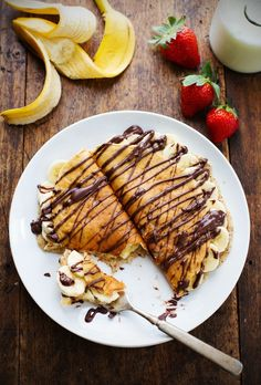 Almond Oat Banana Crepes - 6 simple ingredients including almond meal and oats.