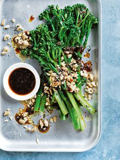 spicy stir-fried broccolini and cashews by Donna Hay Side Recipes, Clean Recipes, Vegetable Recipes, Healthy Eating Recipes, Vegetarian Recipes, Healthy Food, Tapas Dishes, Green Bean Recipes, Vegetable Dishes