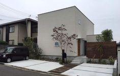 コンクリートデッキ×ウッドデッキ×芝生=たくさんのお庭があるお家。