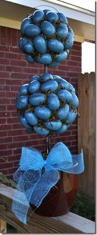 Not liking the BLUE eggs, but I do like the look of the topiary.  Think I will try this but use traditional pastel eggs.