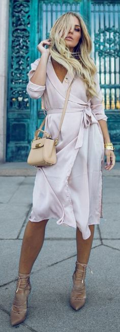 #spring #summer #street #style #outfitideas | Powder Pink Dress + Pop Of Nude |Angelica Blick