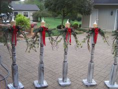 -Christmas DIY- Check out these DIY outdoor Christmas decorations that make it cheap & easy to get your porch & yard looking festive for the Holidays. Make your home the most festive on the block with these creative DIY Christmas decorations. Christmas Porch, Noel Christmas, Rustic Christmas, Christmas Projects, Simple Christmas, Christmas Lights, Christmas Wreaths, Christmas Picks, Christmas Ideas