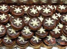 Brabantské dortíčky s marcipánem Christmas Sweets, Christmas Baking, Christmas Cookies, Czech Recipes, Small Desserts, Italian Cookies, Pastry Cake, Ice Cream Recipes, Sweet And Salty