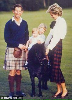 1985 in Scotland. HRH Prince Charles Princess Diana Prince Harry and Prince W - Icon People - Ideas of Icon People - 1985 in Scotland. HRH Prince Charles Princess Diana Prince Harry and Prince William. Love this picture! Princess Diana Family, Prince And Princess, Princess Kate, Princess Charlotte, Aladdin Princess, Real Princess, Princess Aurora, Princess Bubblegum, Lady Diana Spencer