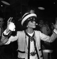 Coco Chanel: storia e foto del Mito della Moda Citation Coco Chanel, Coco Chanel Quotes, Style Coco Chanel, Coco Chanel Fashion, Only Fashion, Fashion Show, Womens Fashion, Christy Turlington, Citations Chanel