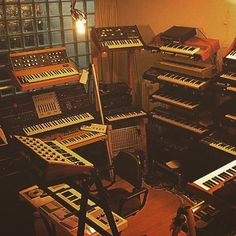 preference?? #synths #synthesizer #synthesizers #analogsynth #synthpop…