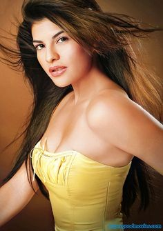 Beautiful Indian actress Jacqueline Fernandez