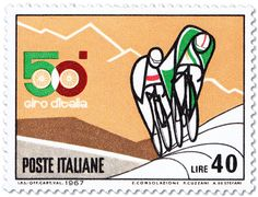 """Ciclisti in salita - Cyclists climbing uphill in the mountains classification of the Giro. The best climber in the mountain stages wears the maglia verde (""""green jersey"""")."""