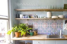New kitchen tiles moroccan morocco ideas Moroccan Tiles Kitchen, Kitchen Tiles, New Kitchen, Kitchen Dining, Kitchen Decor, Moroccan Tile Backsplash, Basic Kitchen, Deco Design, Tile Design