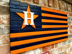 Astros burnt wood flag Diy Wood Projects, Wood Crafts, Woodworking Projects, Woodworking Articles, Diy Crafts, Wooden Diy, Wooden Signs, Flag Painting, Fence Painting