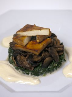 Almost Skinny Vegan Food: Smoked Tofu Steak with 'Creamy' Greens & Garlic Mushrooms