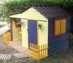 Cabane on pinterest wooden outdoor playhouse haciendas - Comment faire une cabane en palette ...