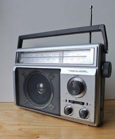retro AM/FM radio by Realistic