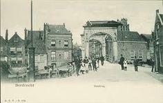 de sluisbrug anno 1574. De brug is aangebracht toen de verdedigingswerken verder werden doorgetrokken naar het westen.
