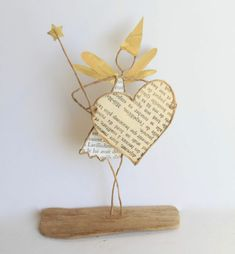 Craft figures with paper and wire for any decoration occasion with this DIY guide Fall Arts And Crafts, Diy And Crafts, Crafts For Kids, Diy Paper, Paper Art, Wire Art Sculpture, Wire Sculptures, Abstract Sculpture, Bronze Sculpture