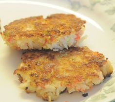 Straight from the Red Lobster site (not a clone or copy cat)... Dense yet flaky, firm yet delicate, Maryland crab cakes are a seaside staple. Serve them a' la carte, in a sandwich or beside a salad.
