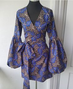 Short wrap dress