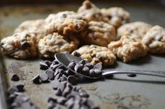 Chocolate Chip Oatmeal Cookies with Brown Butter // Warm Vanilla Sugar