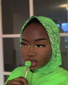 Dark Skin Makeup, Dark Skin Beauty, Makeup For Green Eyes, Black Beauty, Hair Beauty, Black Girl Makeup, Girls Makeup, Cover Girl Makeup, Blue Makeup