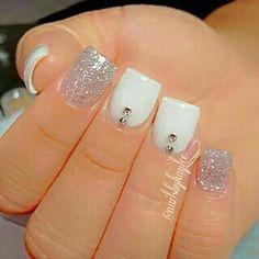 Diseño uñas nude acrílicas