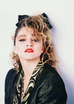 Madonna em 1985. | Quer ler sobre outras musas e filmes desse período? Acesse cantodosclassicos.com