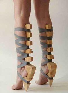 Criss-cross gladiators for men