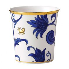 http://www.wedgwood.eu/home-and-gifts/by-type/candles-holders/little-luxuries-cornucopia-earl-grey-fragrance