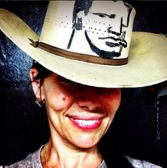 It's always best to pack a hat for Brimfield! Shop with me in D22 at Heart O The Mart. #Brimfield