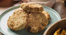 Aszalt gyümölcsös zabkeksz Philips Airfryerben készítve recept képpel. Hozzávalók és az elkészítés részletes leírása. A Aszalt gyümölcsös zabkeksz Philips Airfryerben készítve elkészítési ideje: 30 perc Muffin, Cookies, Breakfast, Food, Crack Crackers, Morning Coffee, Biscuits, Essen, Muffins