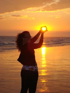 Sunset here I come...got my camera ready!!! great photo idea!