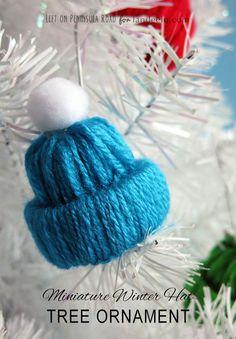Winter Hat Tree Ornament Yarn Craft - landeelu.com