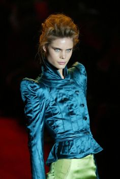 That Heavenly Tom Ford YSL Rive Gauche FW04 Emerald Green Chinoiserie Skirt Suit image 4