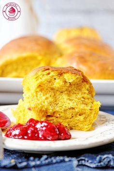 bułki z dynią Cornbread, French Toast, Menu, Restaurant, Breakfast, Ethnic Recipes, Food, Style, Millet Bread