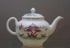 Worcester teapot and cover