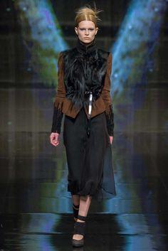 Donna Karan Fall 2014 Ready-to-Wear Fashion Show - Anna Ewers