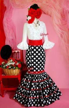Spanish Dress, Spanish Dancer, Flamenco Skirt, Dress Outfits, Fashion Dresses, Spanish Fashion, Valentines Day Weddings, Mexican Dresses, Cute Skirts